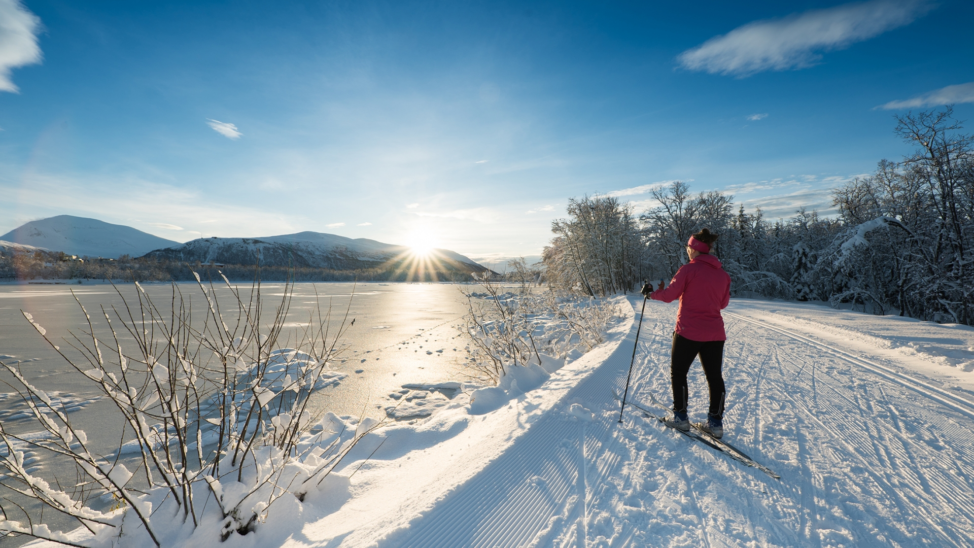 Woman skiing in Tromsø