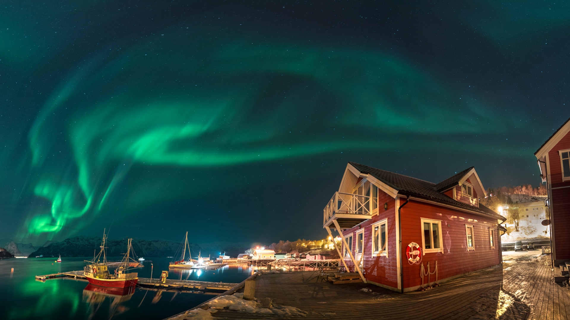 Apartments under the Northern Lights