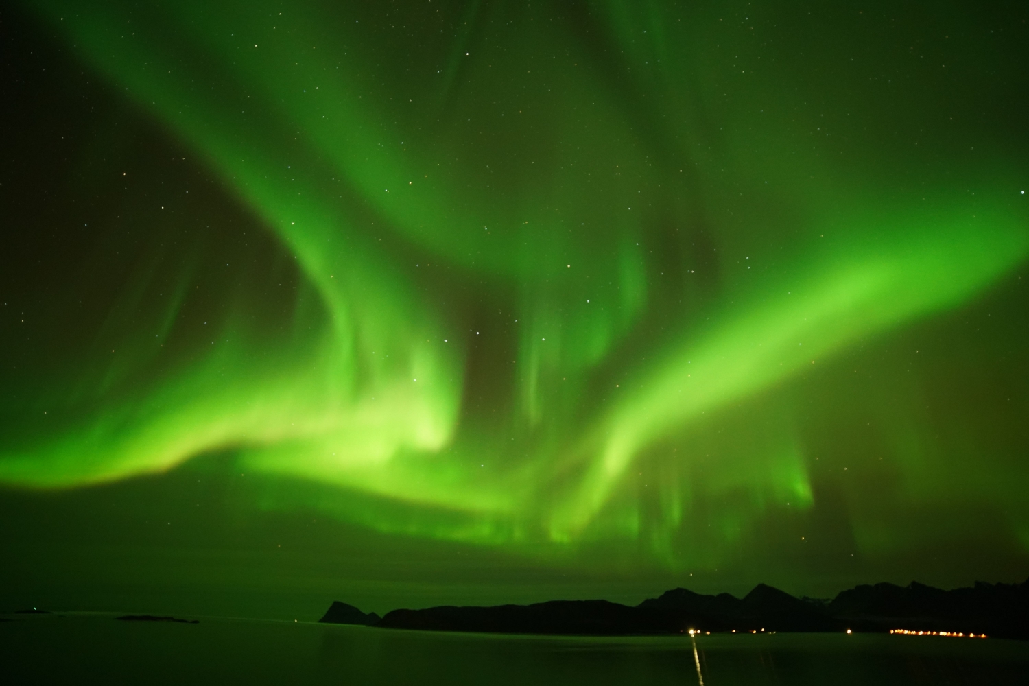 Nordlys over havet