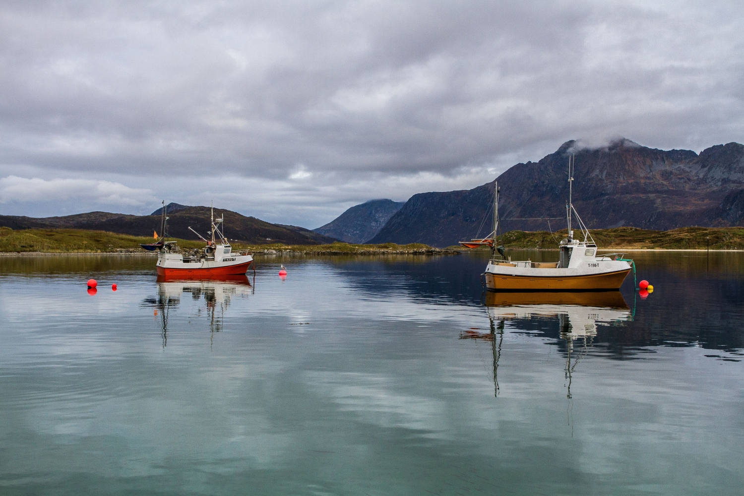 Boats outside Kvaløya