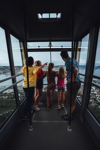 Family inthe Cable Car in Tromsø